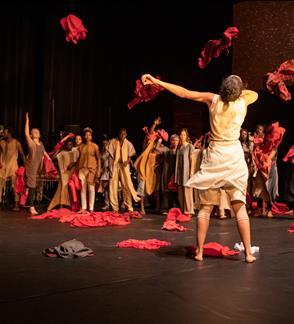 """Kirina"" (10+) / Faso Danse Theatre (Belgium) / III international theater festival ""TheATRIUM"""